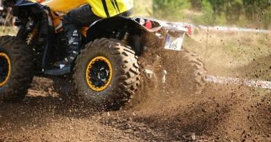 Menor muere tras caer de four track en Manatí