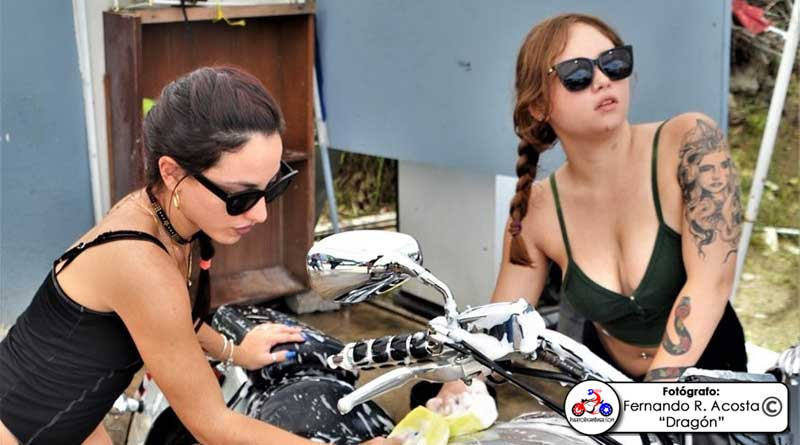 3er. Bikini Bike Wash (2)
