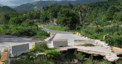 Gobierno arrastra los pies en la reparación de las carreteras
