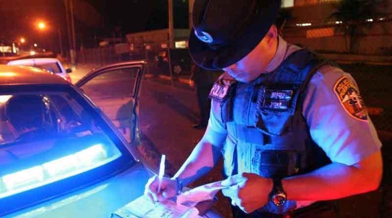 Policía, Toque, Boleto