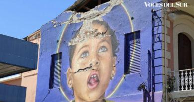 Mural Niña Arcoiris