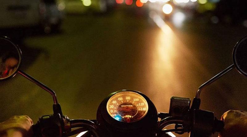Motora, Moto, Noche