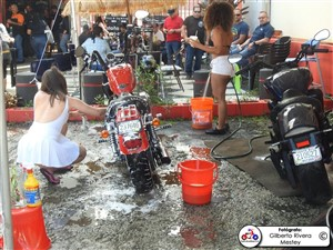 apontes-bikini-bike-wash-0001
