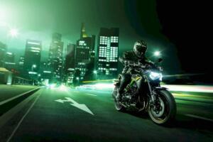 Seis motivos para comprarte una Kawasaki Z900 2021
