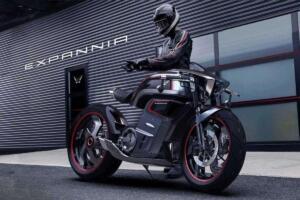 Moto Expannia Motorcycles Piloto